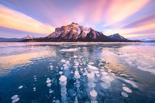 Canada, Abraham Lake, Winter, Sunset, ice, methane, bubbles, frozen, clouds, bacteria, Canadian Rockies,