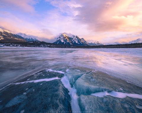 Canada, Abraham Lake, Winter, Sunset, ice, cracks, frozen, clouds, Canadian Rockies, Alberta, snow