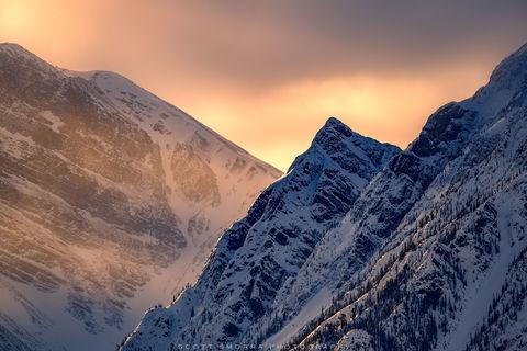 Jasper National Park, Alberta, Canada, sunrise, light, snow, mountains