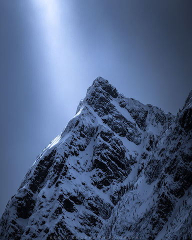 Jasper National Park, Alberta, Canada, sunlight, beam, snow, mountain
