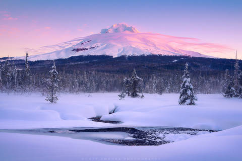 Oregon, Mt Hood, Wilderness, Sunrise, Alpenglow, cloud, altocumulus lenticularis, lenticular, winter, mountain, morning