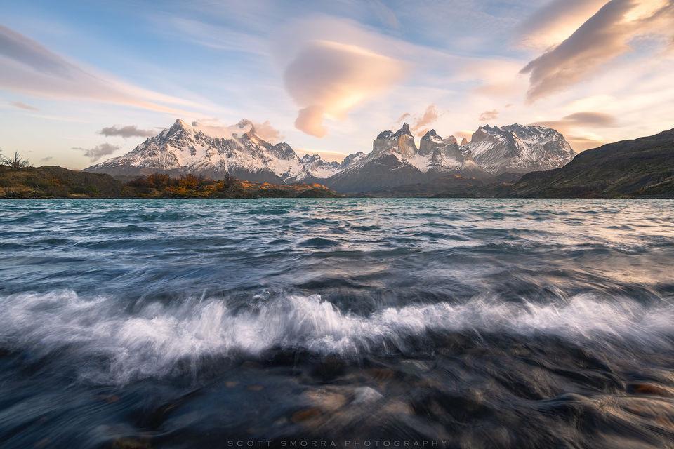Patagonia, Chile, Parque Nacional Torres del Paine, lake, sunrise, lenticular, Cordillera del Paine, Andes,