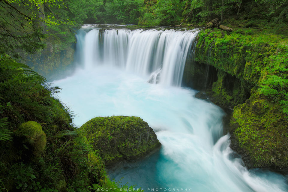 Washington, Columbia River Gorge, Waterfall, spring, green, blue