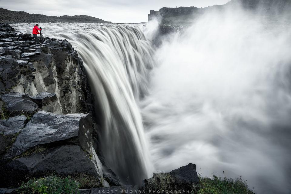 Iceland, Dettifoss, Jökulsá á Fjöllum, River, Waterfall, red, jacket,