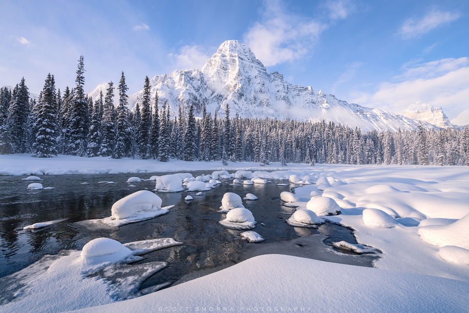 Banff, National Park, Canadian Rockies, Alberta, Canada, snow, mountain, fog, morning, steam, winter
