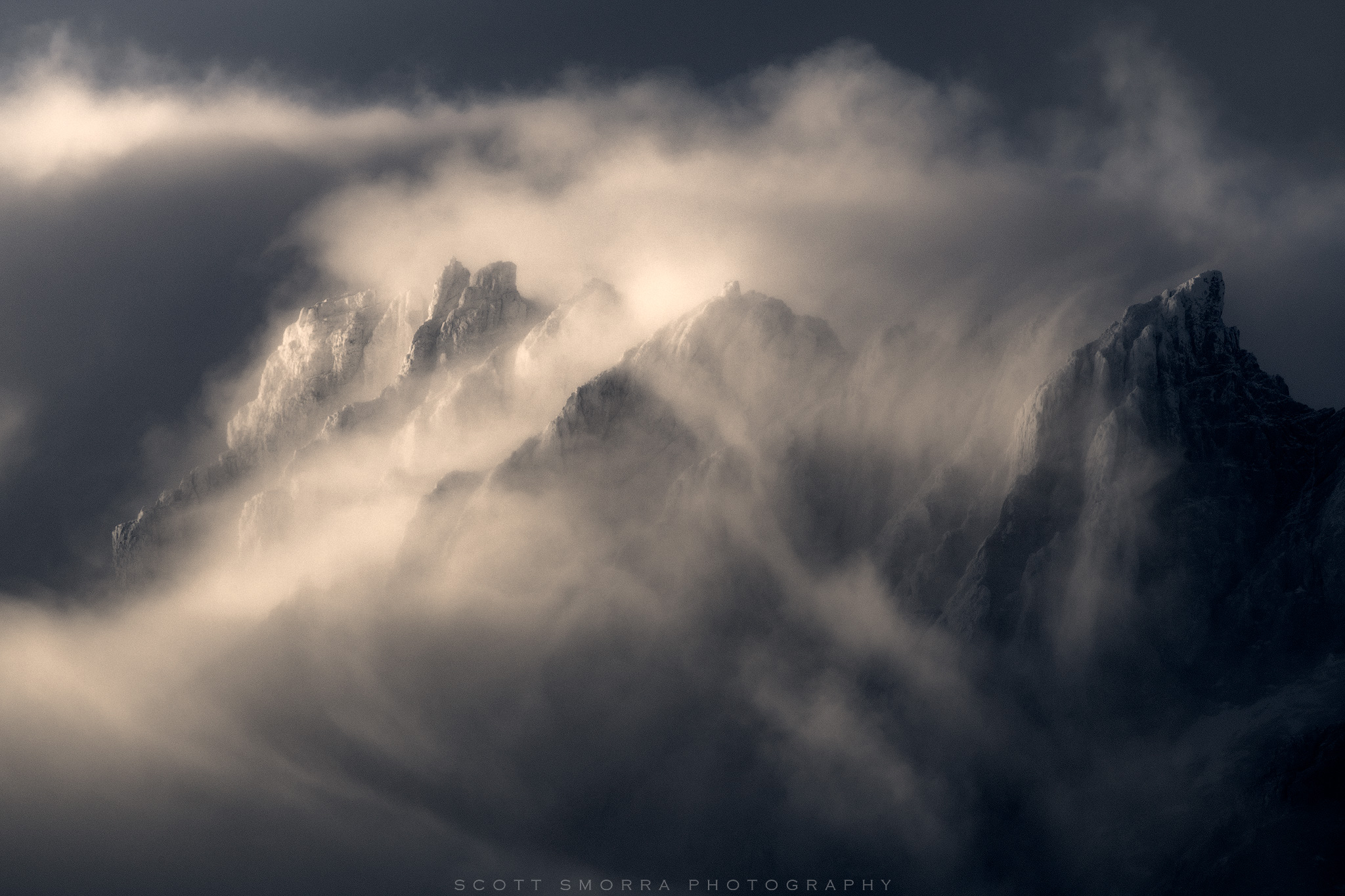 Patagonia, Chile, Parque Nacional Torres del Paine, Grande clouds, summit, atmosphere, telephoto,, photo