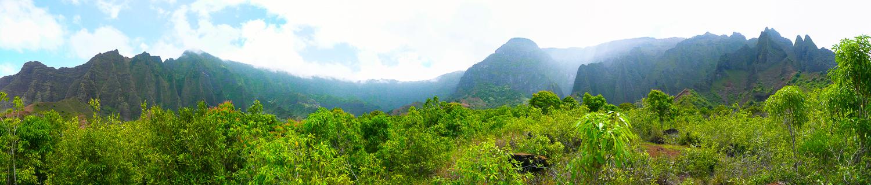 A panoramic photo of Kalalau Valley on the Napali Coast of Kaua'i, Hawaii
