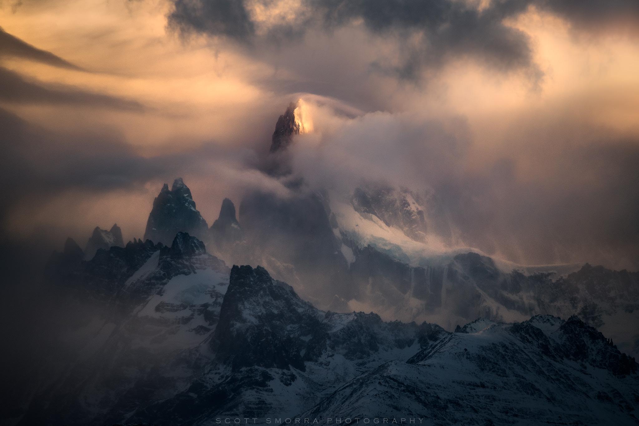 Patagonia, Argentina, Mountains, atmosphere, wind, Aguaja, Poincenot, sunrise, Parque Nacional Los Glaciares, drama, clouds, snow, photo
